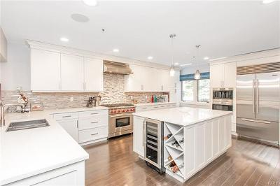 Scarsdale Condo/Townhouse For Sale: 167 Boulder Ridge Road