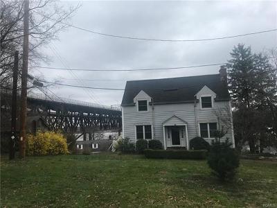 Newburgh Single Family Home For Sale: 15 Whitehill Terrace