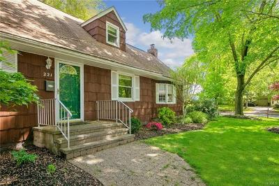 Rockland County Single Family Home For Sale: 221 Cardean Place