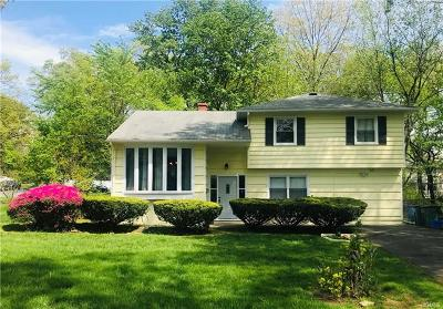 Rockland County Single Family Home For Sale: 48 Kenwood Lane