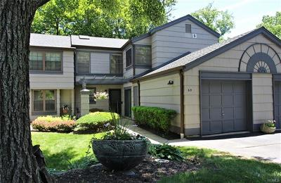 Nanuet Condo/Townhouse For Sale: 69 Treetop Circle