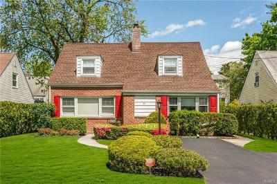 Eastchester Single Family Home For Sale: 14 Huntley Road
