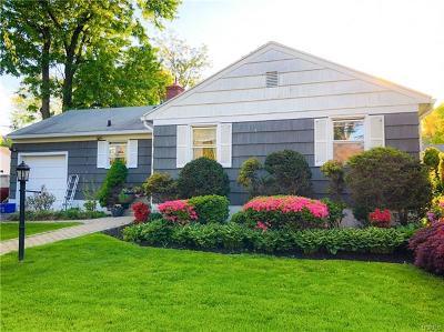 Yonkers Single Family Home For Sale: 32 Monrovia Boulevard