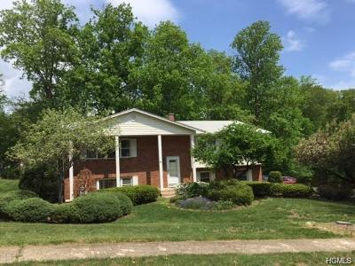 Pearl River Single Family Home For Sale: 84 Gottlieb Drive
