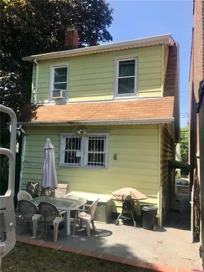 Bronx NY Single Family Home For Sale: $399,000