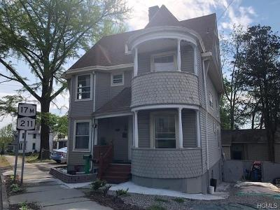 Middletown NY Single Family Home For Sale: $260,000