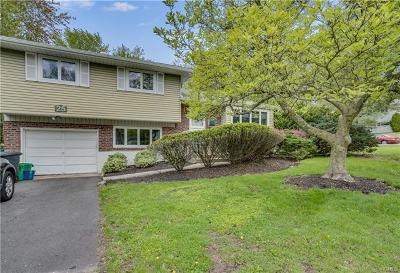 Rockland County Single Family Home For Sale: 25 Cameo Ridge Road