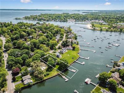 Mamaroneck Single Family Home For Sale: 652 Shore Acres Drive