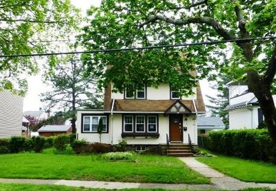 Westchester County Single Family Home For Sale: 46 Stephenson Boulevard