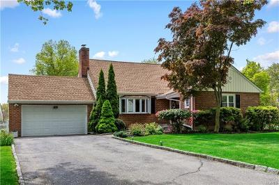 Westchester County Single Family Home For Sale: 149 Thornbury Road East