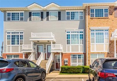 Bronx NY Condo/Townhouse For Sale: $449,000