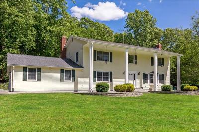 Yorktown Heights Single Family Home For Sale: 1261 Baldwin Road