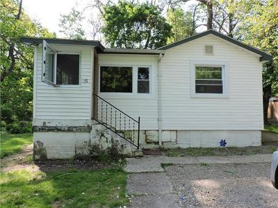 Monroe Single Family Home For Sale: 35 Orchard Trail