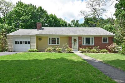 White Plains Single Family Home For Sale: 61 Barksdale Road