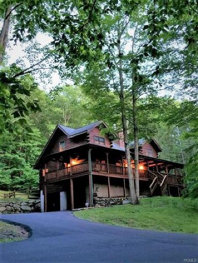 Warwick Single Family Home For Sale: 165 Cascade Road