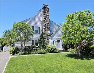 White Plains Single Family Home For Sale: 39 Hazelton Drive