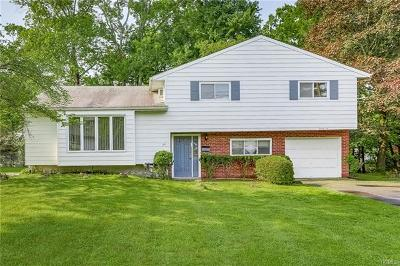 Rockland County Single Family Home For Sale: 26 Cameo Ridge Road