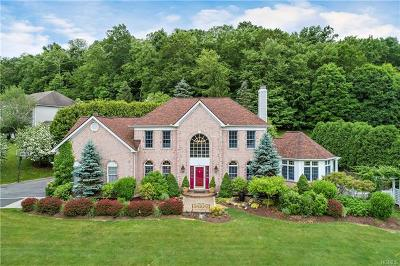 Single Family Home For Sale: 1 Cider Mill Lane