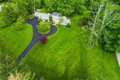 Chappaqua Single Family Home For Sale: 14 Cowdin Lane