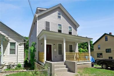 Newburgh Single Family Home For Sale: 266 Carpenter Avenue