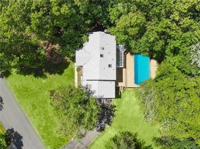 Pomona Single Family Home For Sale: 7 Oak Ridge Court