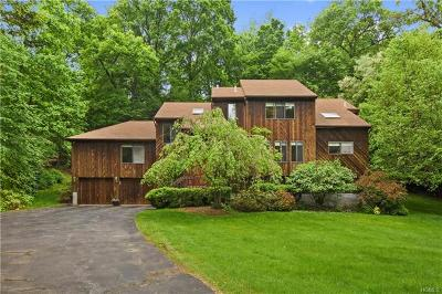 Cortlandt Manor Single Family Home For Sale: 5 Amalfi Drive