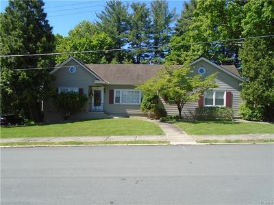 Middletown Single Family Home For Sale: 16 Benedict Street