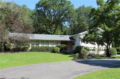 Middletown Single Family Home For Sale: 49 Dogwood Crossing