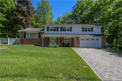 Rockland County Single Family Home For Sale: 19 Rensselaer Drive