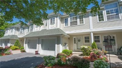 Newburgh Condo/Townhouse For Sale: 174 Isis Drive