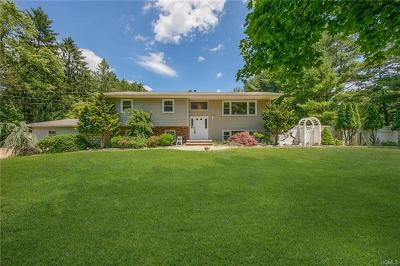 Spring Valley Single Family Home For Sale: 26 Pennington Way