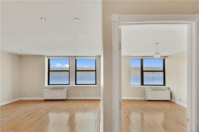 Yonkers Condo/Townhouse For Sale: 23 Water Grant Street #8B