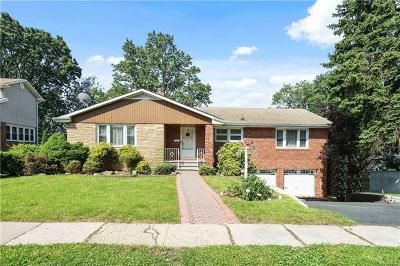 Yonkers Single Family Home For Sale: 98 Durst Place