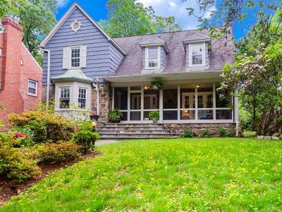 New Rochelle Single Family Home For Sale: 80 Lakeside Drive