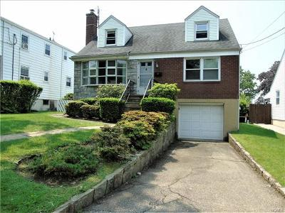 Yonkers Single Family Home For Sale: 135 Hayward Street