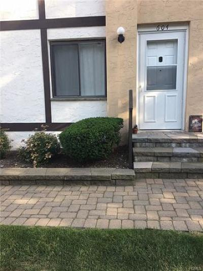 Nanuet Condo/Townhouse For Sale: 604 Tudor Hill