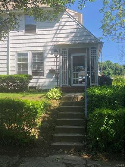 Newburgh Single Family Home For Sale: 28 Bush Avenue
