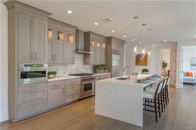 Bronxville Condo/Townhouse For Sale: 15 Kensington Road #PH3