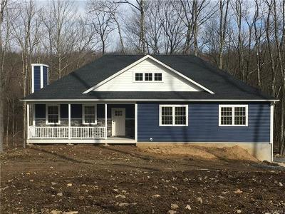Newburgh Single Family Home For Sale: 00 Tarben Way