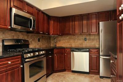 New Rochelle Rental For Rent: 643 Pelham Road #2E