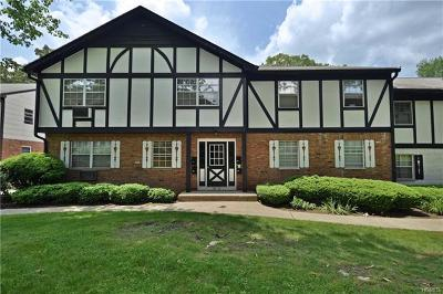 Suffern Condo/Townhouse For Sale: 57 Parkside Drive