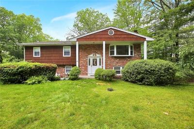 Rockland County Single Family Home For Sale: 55 Greenridge Way