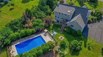 Orange County Single Family Home For Sale: 42 Warwick Estates Drive