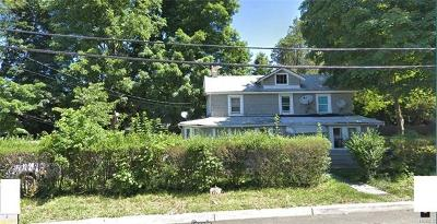 Rockland County Single Family Home For Sale: 21 Walnut Place