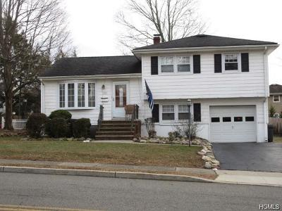 Rockland County Single Family Home For Sale: 31 Maplewood Boulevard