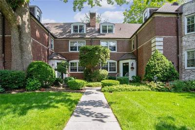 Scarsdale Co-Operative For Sale: 3 Sentry Place #2A
