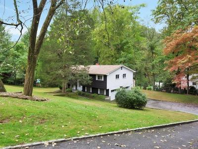 Cortlandt Manor Single Family Home For Sale: 526 Westbrook Drive