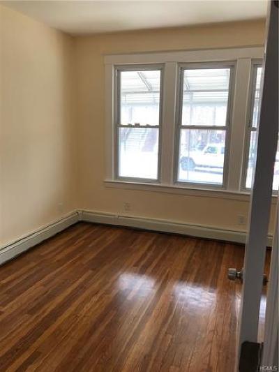 Pelham Bay Rental For Rent: 2869 East 195 Street