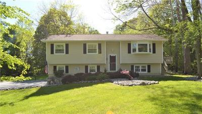 Poughquag Single Family Home For Sale: 27 Sterling Drive