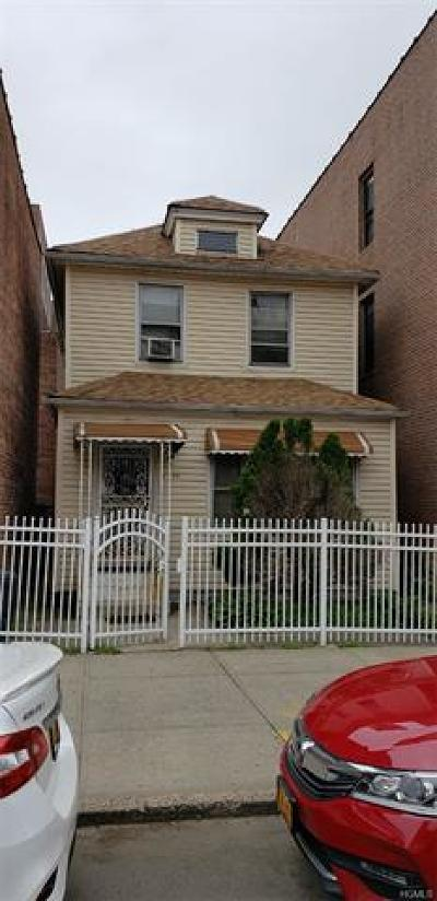 Bronx Single Family Home For Sale: 2439 Barker Avenue